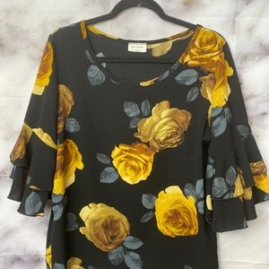 Free kisses floral top.